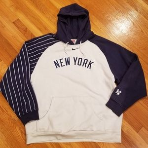 🔥Authentic NIKE tag NY Yankees Pinstriped Hoodie